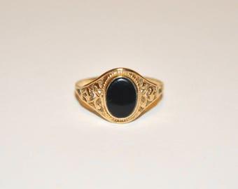 Vintage Black Onyx Ring - 10kt gold size 6 3/4