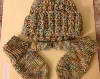 Newborn Hat and Mitten Set i.e. Baby Doll Set