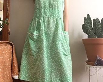 1970's green floral Summer day dress • Vintage • 70's • Daisies • Pockets • Cute • Casual • Flower Child • Retro • Print • Day Dress • Sweet
