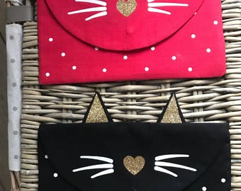 Customizable cat pouch