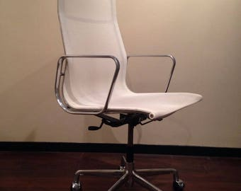 Eames office chair EA119 for Vitra