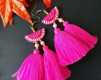 Handcraft Half Moon Embroidered Tribal Ethnic Earrings Dangle Drop Boho Chic Pink Beaded Tassel Earrings