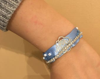 Blue Ribbon Bracelet sky, beads and charm