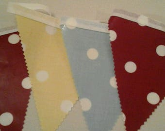 PVC Polka Dot Bunting, 12 flags
