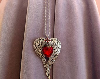 Silver Angel Wings with Queen of Hearts