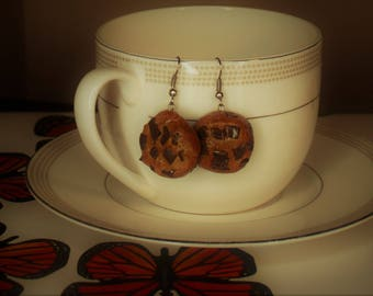 Beautiful Chocolate Chip Cookie Shaped Earrings!