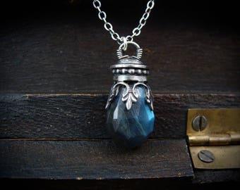 siren's song ... labradorite pendant
