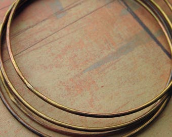 Rustic Hammered Antiqued Yellow Brass Bangles with Copper Plating - 4 pieces -