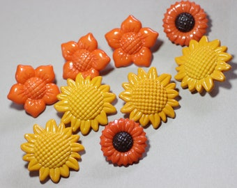 Colorful Plastic Buttons Assortment Variety Mixed Lot Orange Yellow Flower Buttons