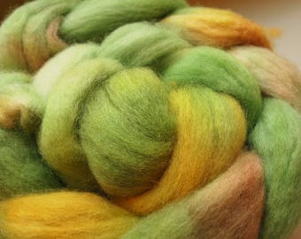 Handdyed Roving Wool Spinning Felting 3.1oz Corriedale Cross Handspinning Felting Fiber Aspenmoonarts D4 Yellow Green Orange