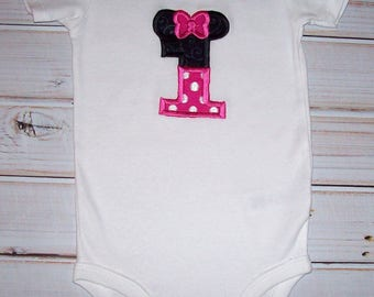 Sample SALE Minnie Mouse One Applique S/S Bodysuit With Snaps Size 12 Months--Vacation--Birthday
