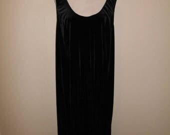 Closing shop SALE 40% off Vintage 90's black velvet sleeveless   dress long maxi    plus size