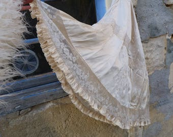 Vintage Antique Victorian French 1850/1900 cream silk & lace skirt size S