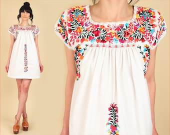 ViNtAgE OAXACAN Mini Dress Mexican Hand Embroidered 70's Floral Cotton Handmade Artisan 60's Hippie BoHo White Small Medium S / M