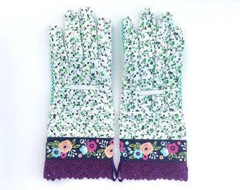 Designer Garden Gloves - As seen in Better Homes and Gardens DIY Magazine and Mother Earth Living Magazine - Floral Ivy