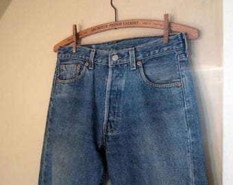 501 Levis Vintage Faded Blue denim Levis 501 made in USA button front Levis Boyfriend Levi jeans workwear  29 34