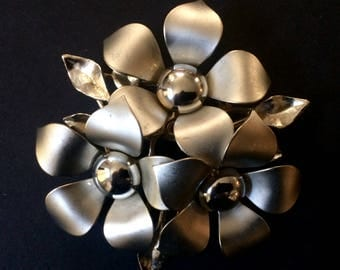Vintage 60's Silver Floral Pin Brooch, Triangle of Daisies, Mid Century Pin