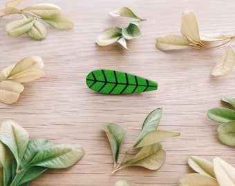 Leaf wooden brooch . Wooden pin . Lapel pin . Badge . Outdoor lover . Gift for Her . Gift for Teens . Plant lover . Indoor plant