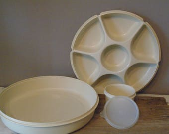 Vintage Tupperware 6 compartment relish serving tray with center compartment with lid to center and entire piece