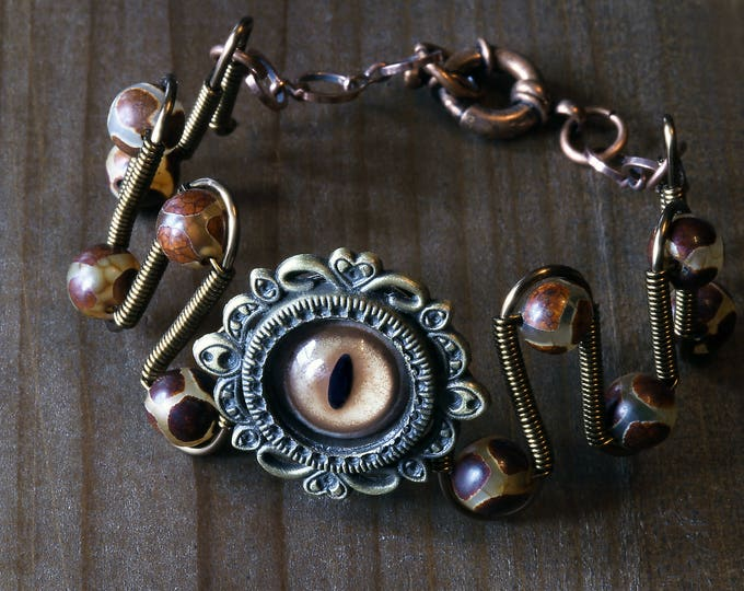 Dungeons and dragons dnd Jewelry -Beholder eye bracelet - Taxidermy glass Eye & Tibetan Agate