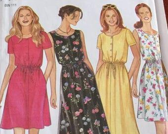 New Look 6653 Short And Sleeveless Dress Pattern,  size 10-22, uncut