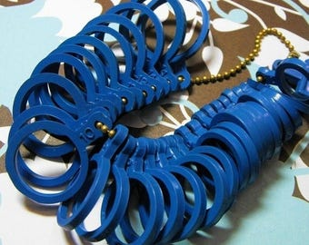 Summer Sale One New Plastic Multiple Ring Sizer in US Standard Sizes Great for Jewelry Salesman