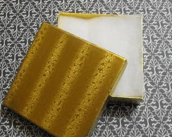 Summer Sale 10 Pack Gold Foil Cotton Filled Presentation Jewelry Boxes 3.5X3.5X1 Inch Size