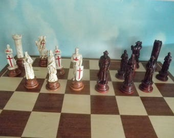 Crusaders--- Mini chess set- -