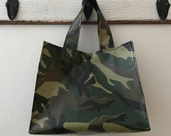 Beth's Camo / Camouflage Oilcoth Lunch Box Market Tote Bag