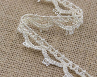 4.5 Yards of Vintage Lace in Cream 0.5 Inches Wide