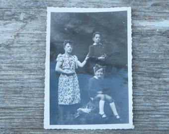 Vintage 1940/40s French black and white  photography  mum & boys