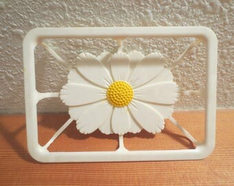 Vtg Soap Dish / Plastic Daisy Soapdish / Retro 1960s Soap Dish