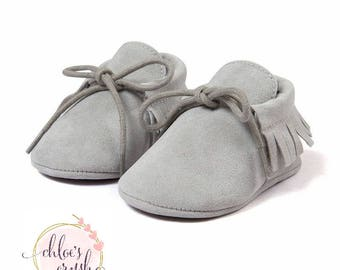 Gray pu suede baby moccasins baby shoe, baby moccs, suede shoes, baby feet, soft baby shoes, toddler shoes, baby shoes