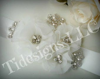 Bridal Sash, Wedding Sash, Bridal Belt , Crystal wedding sash , Crystal sash , Beaded Sash, Rhinestone Bridal Sash, Flower Sash