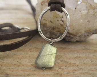 Labradorite Leather Necklace, Leather Layering Necklace, Boho Style Jewelry, Nugget Necklace, Fall fashion