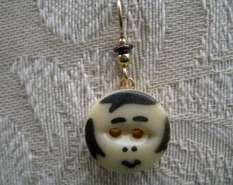 STENCIL  BUTTON  with  FACE  earrings