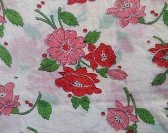 Vintage Feedsack Fabric Red & Pink Poppies on Crisp White 36x48 #mm67