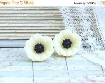 Cream Poppy Earrings Cream Flower Earrings Cream Poppy Studs Surgical Steel Studs Poppy Jewelry