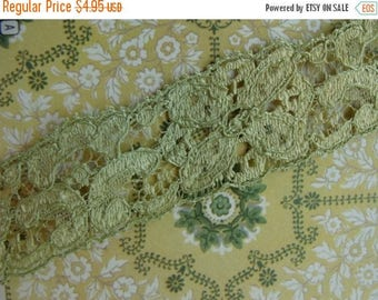 2 yards of Soft Antique Green Luxurious 1930s Vintage Lace Trim