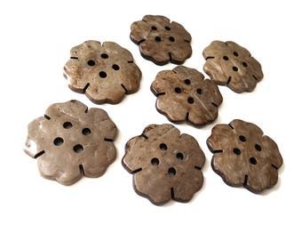 7 Large coconut buttons 35mm - Flower