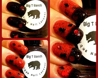 Pirate Skull and Crossbones Color Changing Nail Polish - Black to Red - FREE U.S. SHIPPING - Mood Nail Polish - Glitter - Pirate's Booty