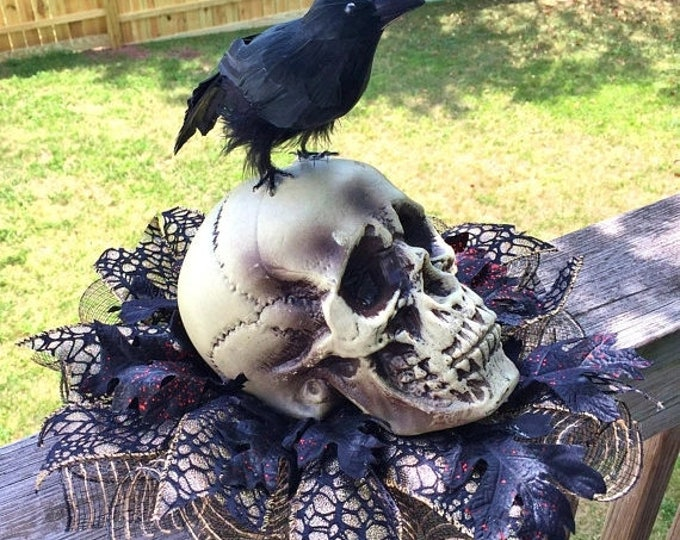 SALE- Skull Raven Crow - Fall Halloween Centerpiece