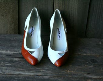 High Heel Pumps 7.5  Palizzio Cut out Leather White and Espresso  80s Vintage  by Nowvintage on Etsy