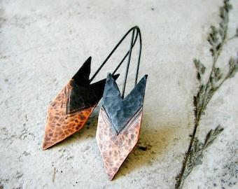 ON SALE Arrow earrings, hammered copper earrings, two-tone patina, oxidized sterling silver, tribal earrings, rustic earrings, modern - Hunt
