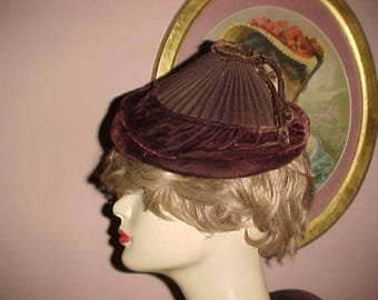 Vintage 30s ART DECO Hat Velvet Accordian Pleat Peaked SILLY Dilly Too Cute L@@K