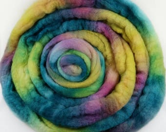 Flora Bluefaced Leicester wool top for spinning and felting (4.2 ounces)