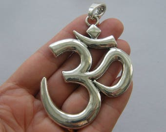 1 Om pendant antique silver tone I159