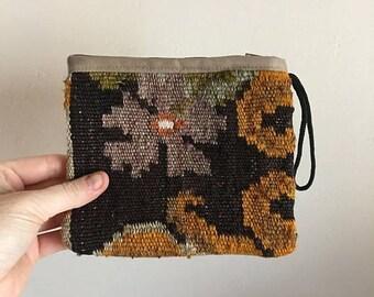 SUMMER SALE 70s Kilim Floral Woven Pouch • Accessories Bag