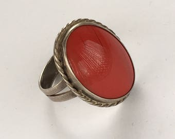 Vintage sterling silver ring with oval carnelian Ring size 11