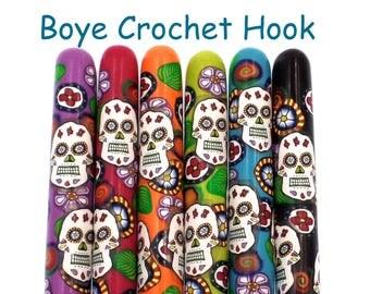 Crochet Hook, Polymer Clay Covered Boye Crochet Hook, Sugar Skull, Day of the Dead